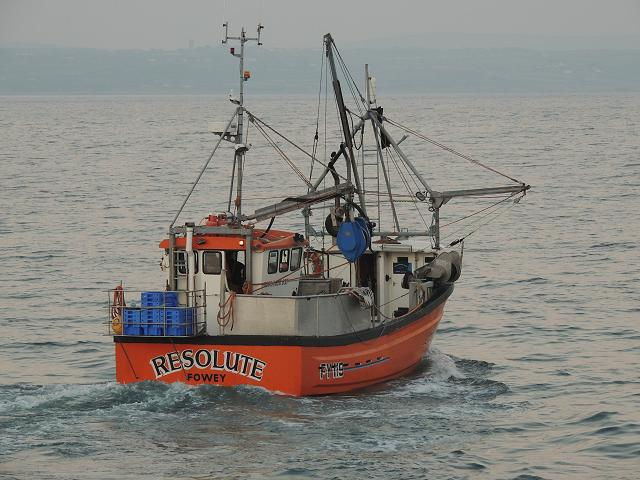 Resolute FY119 Fishing Vessel Trawler Images
